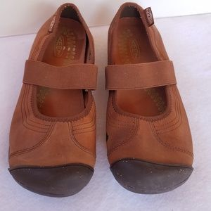 Keen Brown Slip-on Flats
